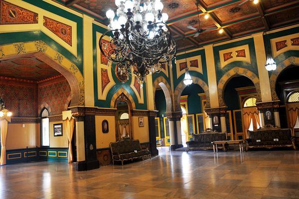 Kemegahan_Interior_Istana_Maimun.jpg