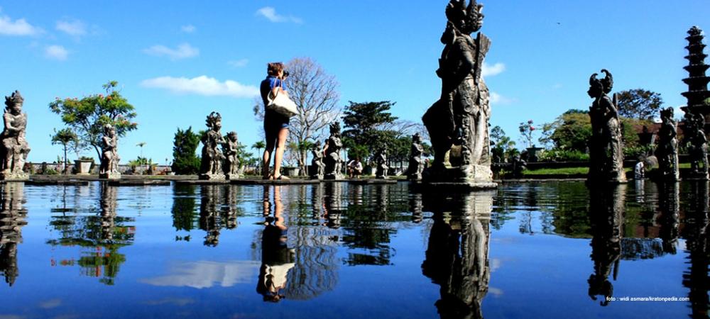 Tirta Gangga atau Istana Air, keheningan dan kebeningan  mata air di  Amlapura Karangasem Bali.